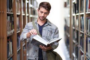 student 3500990  340 300x200 - Conseils pour bien choisir un établissement de formation professionnelle